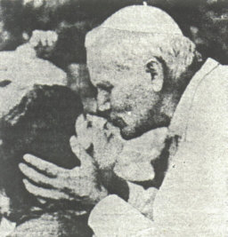 50 john-paul-ii-kissing